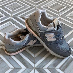 Girls NewBalance 574 Sneakers Size 13.5